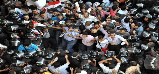 Tensions rise in Egypt with approaching elections