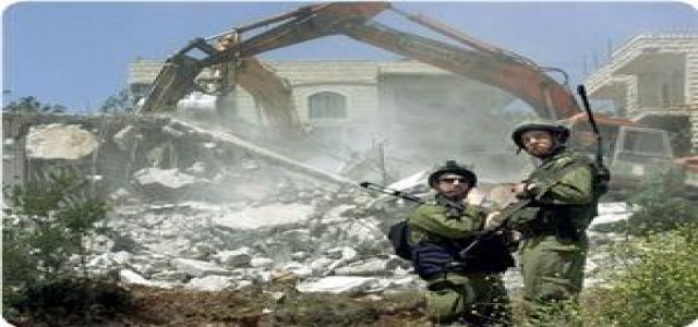 IOA demolishes Palestinian flats in O. Jerusalem, allows Jews to build