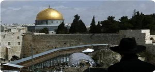 Arab parties warn of Aqsa diggings, ask leaders to reconsider relations with USA