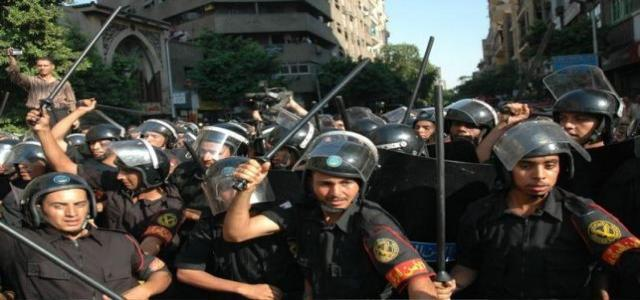 Three MB Supporters Arrested and Three Injured in New Attack by Egyptian Police in Alexandria