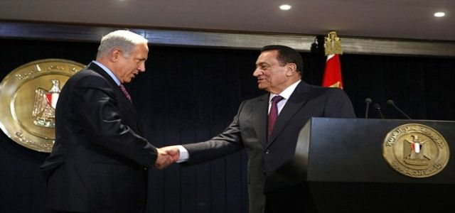 Netanyahu and Mubarak continue talks despite opposition in Egypt.